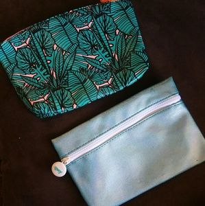 Lot of 2 ipsy make up bags
